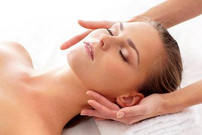 Kosmetická masáž obličeje a dekoltu - Salon Iveta - Kosmetika Jičín